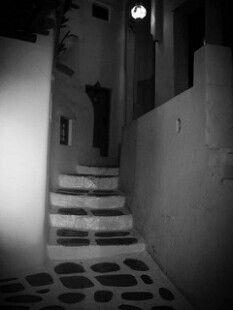 Nightwalk, Mykonos, Cyclades - © Giorgos Taxmazidis