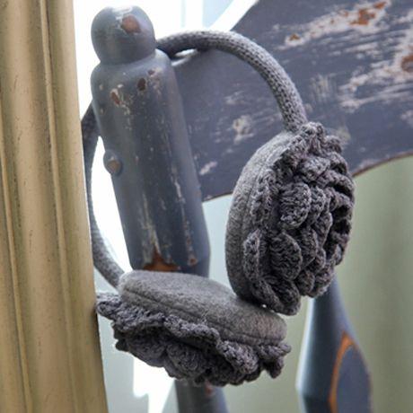 Love these Florentine Crocheted Earmuffs. Too cute.