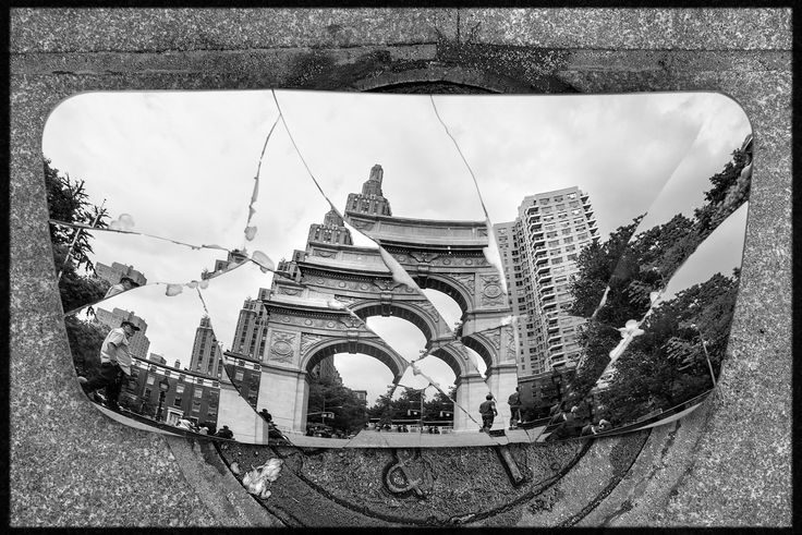 Washington square, last picture with this mirror totally broken!