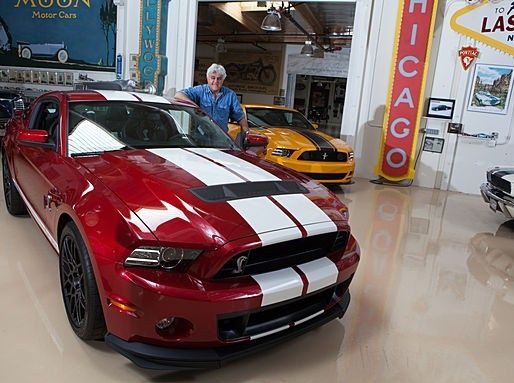 Jay leno 39 s garage 2013 ford mustang boss 302 shelby for Garage ford maurecourt 78