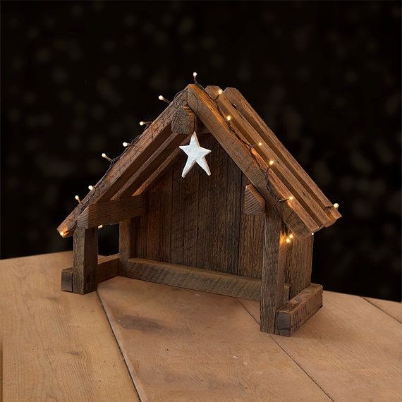 Nativity Creche Stable with Slant Roof Reclaimed por SilverHollyLLC