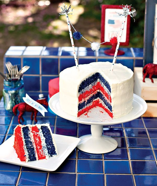 Fun! - DIY Patriotic Layer Cake (+ 5 Amateur Tips For An Impressive Layered Cake): Cakes Tutorials, Layered Cakes, July Cakes, Patriots Cakes, Blue Cakes, 4Th Of July, July 4Th, Birthday Cakes, Patriots Layered