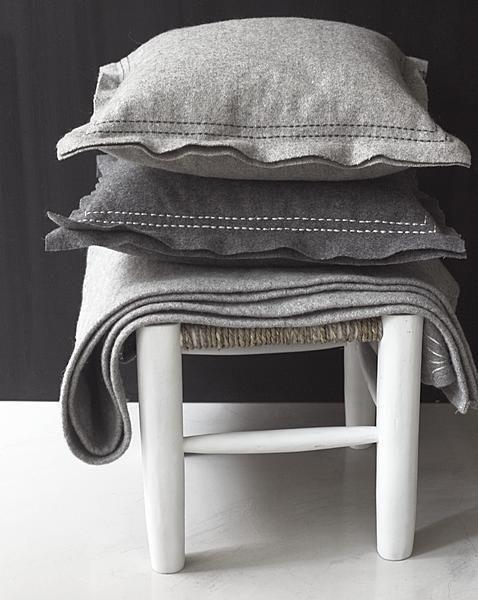 Met mooi textiel in warme ton sur ton tinten geef je elke ruimte een gevoel van geborgenheid.