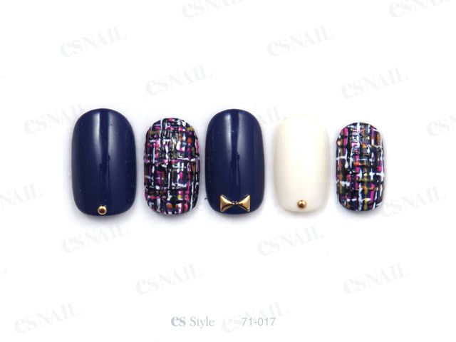 navy tweed nails with white and gold