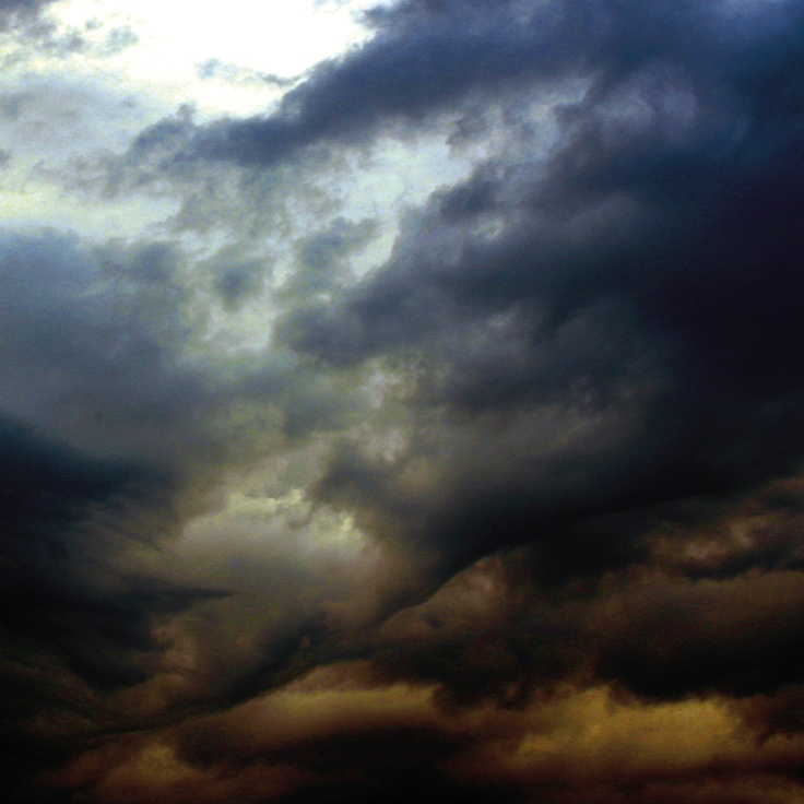 sky, muted blues and yellows, stormy | ©West Kast Pictures
