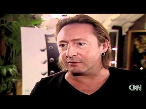 CNN Breaking News - Julian Lennon shares Beatles memorabilia