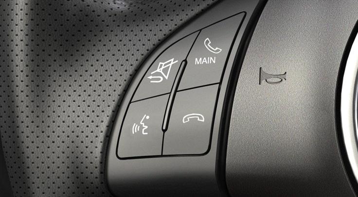 2013 FIAT 500 Sport viene con controles de audio y teléfono en la cabrilla.