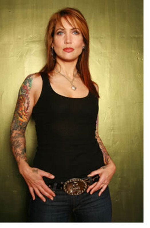 Hannah Aitchison...works in Chicago! --- I'm wanting a trip there for my 30th and a new tat...hmmm.
