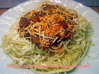 Τα φαγητά της γιαγιάς - Μακαρόνια με σάλτσα μπέικον