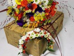 75 - Svatební  kytice lučního typu i se svatební čelenkou