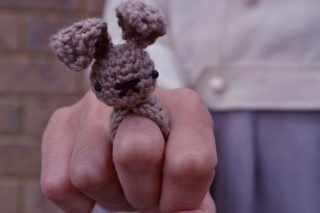 How to crochet a bunny ring
