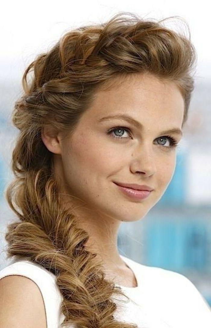 La coiffure avec tresse mille et une variantes pour être