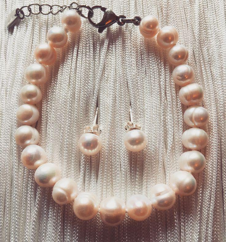 Mana Jewelry pearl bracelet & earrings. Articulate. Sensational.