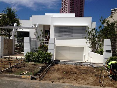 WAKEFIELD PAINTING SYSTEMS  CHRIS:  Email: Chris@wakefieldpainting.com.au 0408 887 097  SIMON  Email: simon@wakefieldpainting.com.au 0407 134 186  Servicing all areas from Yatala to Coolangatta  2/27 Township Drive Burleigh Heads Gold Coast QLD 4220