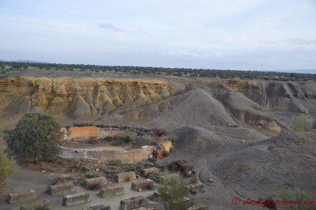 Pueblo Abandonado y Mina de San Quintin