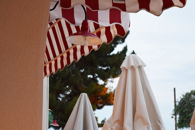 Love red, white and stripes.  Splash American Diner. See more: http://ow.ly/N8ETD