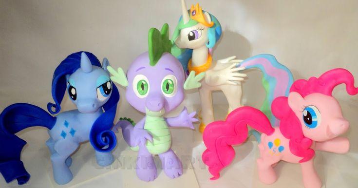 Rainbow Dash e Twilight Sparkle      Apple Jack e Fluttershi      Pinkie Pie      Rarity      Princesa Celestia      Spike
