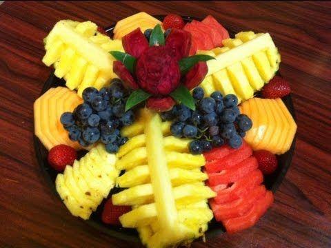 """Suscribete a mi canal, solo haz click aquí  http://full.sc/L3ptCp  """"Audio file(s) provided by http://www.audiomicro.com"""".  En este video les mostramos como hacer un platon de fruta, este es otro diseño muy elegante y con poca fruta, este plato tiene un valor de $50 dollares en la tienda pero si lo haces tu mismo solo necesitaras:  1 piña  1 melon  1/..."""