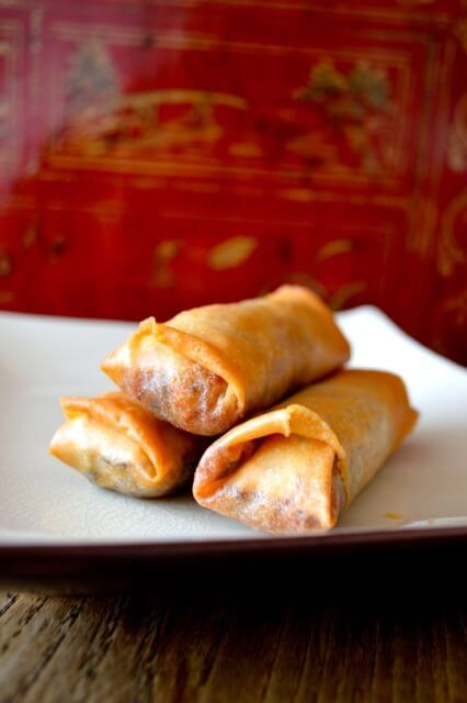 Before immigrating to the US when I was sixteen, this was the only spring rolls recipe I knew. It's not to say that other versions didn't exist, it's just that I didn't come face to face with them.