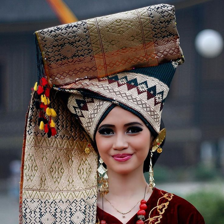 Minang Girl in Traditional Costume (West Sumatra)