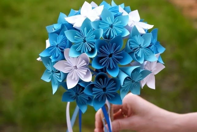 DIY tutorial on how to make a Simple Origami Flower.