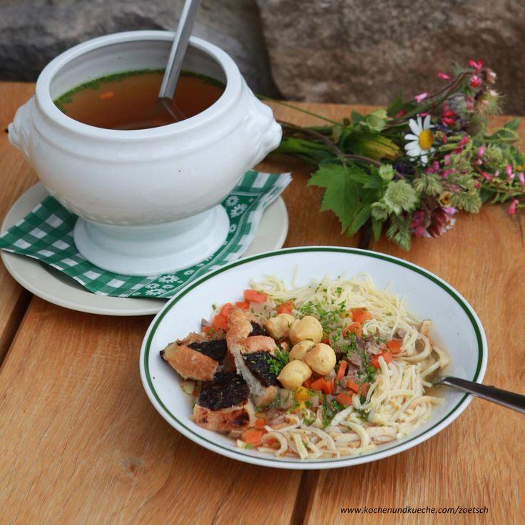 Gemischter Suppentopf  klare Rindsuppe mit typisch österreichischen Einlagen (Frittaten etc...)