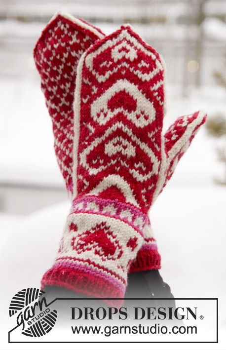 "Free Pattern DROPS Valentine: Knitted DROPS mittens with hearts in ""Merino Extra Fine"". ~ DROPS Design"