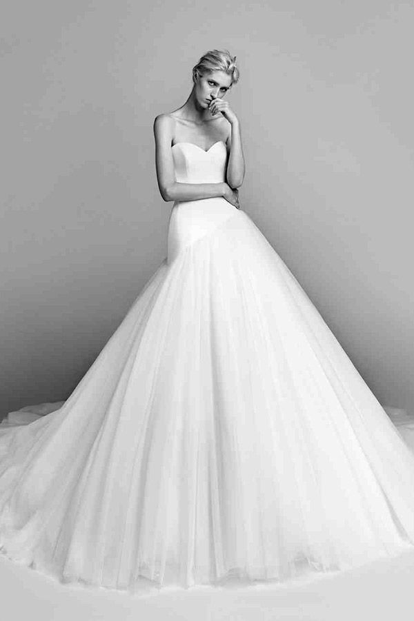 Vestido de noiva | Os 30 melhores looks do Bridal Week segundo a equipe do iCasei - Portal iCasei Casamentos