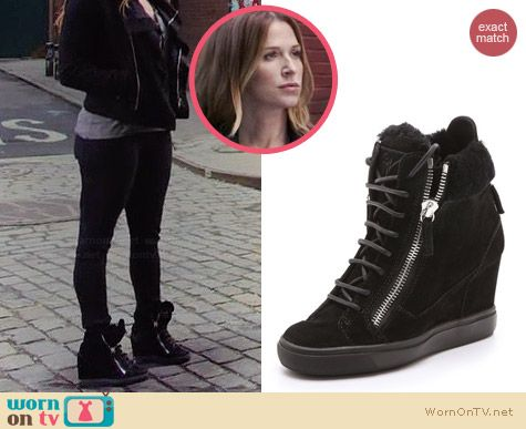 Carrie's wedged sneakers on Unforgettable.  Outfit Details: http://wornontv.net/34474/ #Unforgettable