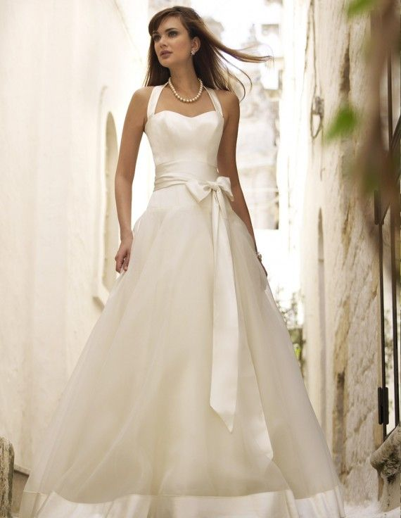 Symphony Quite possibly one of the most beautiful wedding dresses i've ever seen