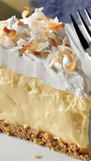 Easy Coconut Cream Pie – It looks like a special-occasion dessert, but this scrumptious coconut cream pie is so easy you could whip it up any old time.