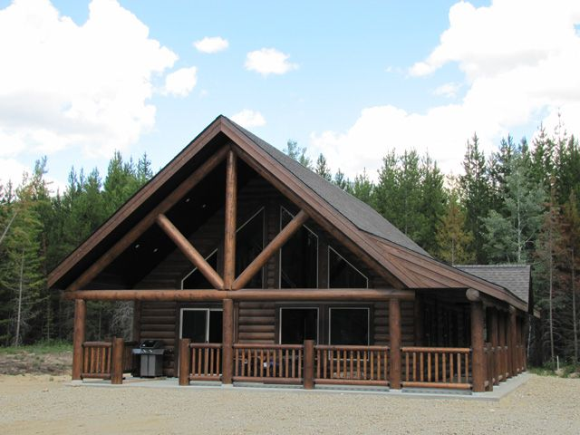 Whisper Creek Riverwood 3/4 Lofted. Contact Us Today! 250-566-8483