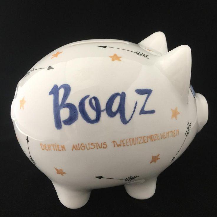 Hier mogen de centjes voortaan Boaz in……🤗 #lief#handbeschilderd#cadeau#geboorte#porselein#hebben#kind#persoonlijk#uniek#baby#kraamcadeau#sparen#herinnering#geboortekaartje#sweet#babyboy#handmade#origineel#opjebordje.nl