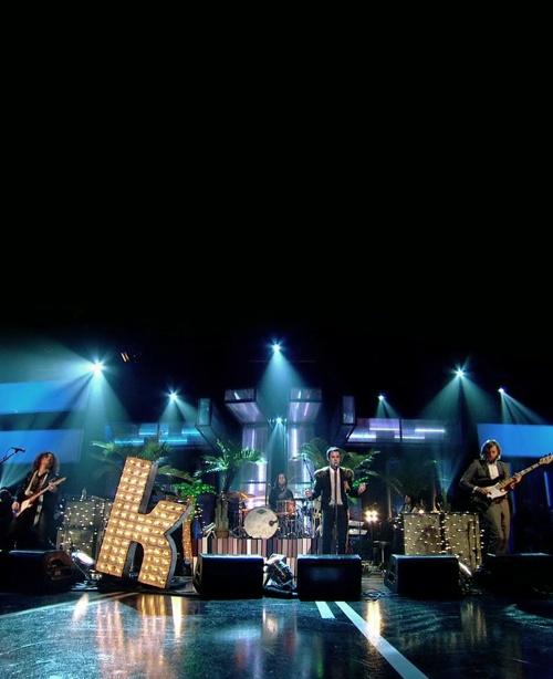 The Killers la mejor banda del mundo ♥ Give shot at night