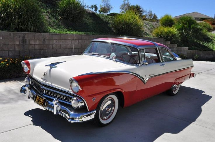 1955 Ford Crown Victoria - I wonder if in 60 years we're going to be oohing and ahhing over the current cop cars....