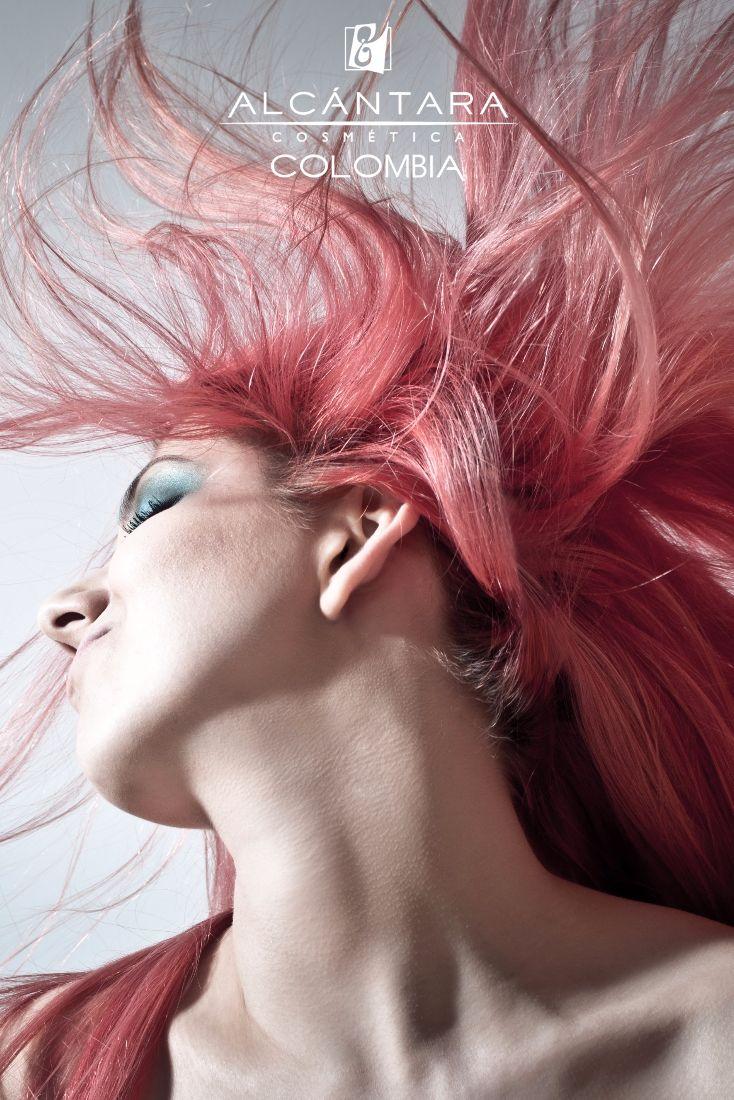 Colores Impactantes - Cabellos Moldeados - Looks Modernos ✂️  reflejan tu verdadera personalidad e iluminan tu belleza @AlcantaraColombia   Distribuidores exclusivos - Informes y ventas. >> ☎ +57 320 462 7859