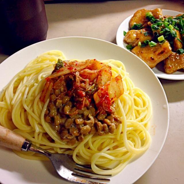 マヨネーズで焼くと鶏肉が柔らかくなって美味しい(⌒-⌒) - 25件のもぐもぐ - キムチ納豆パスタと鶏肉のマヨポン炒め by mtmt0701