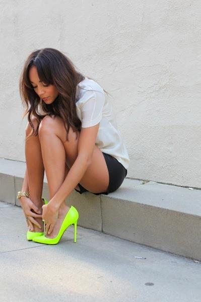 Модные неоновые туфли