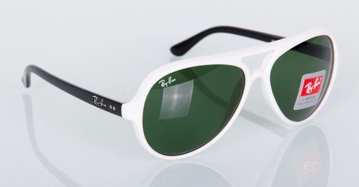 Очки солнечные Ray Ban новая модель, белая оправа, черные дужки #19270 !! Последняя распродажа модели !! Продаётся с большой скидкой !! !! Отличное качество и низкая цена !!