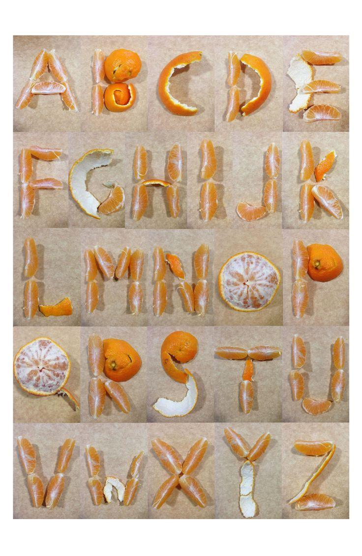Esercitazione: Alfabeto con mandarini. -Utilizzerei questo font per manifesti/insegne che pubblicizzino un azienda agricola produttrice di agrumi. -Per delle etichette di marmellate di agrumi, omogeneizzati al mandarino per bambini, succhi di frutta.  -Per il nome-logo di un fruttivendolo -Oppure per dei libri per bambini