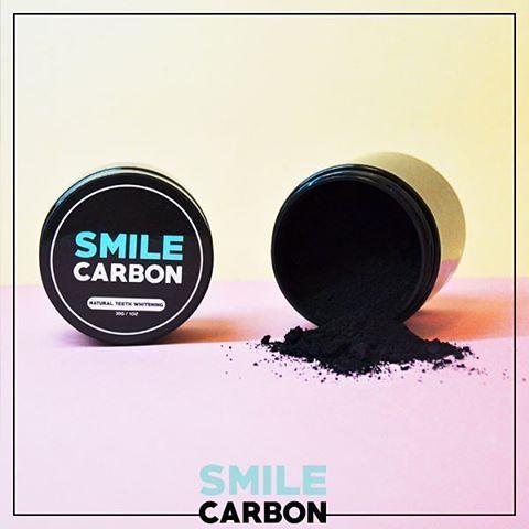 SMILE CARBON est désormais disponible au prix de 40€ sur www.lanaika.com ! ⚫️ Un blanchiment des dents 100% naturel ⚫️ Résultats visibles dès le premier jour d'utilisation ! ⚫️ Testé et approuvé