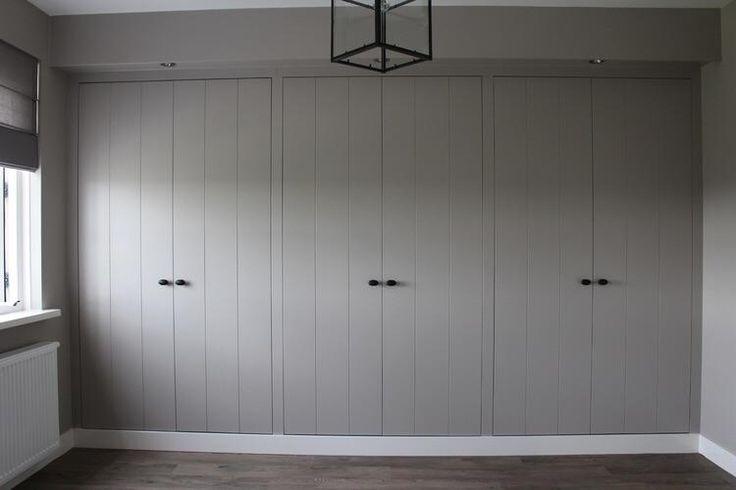 Kastenwand 2,80 m breed x 2,60m hoog. Openslaande deuren, geen schuifdeuren Idee/voorbeeld in bijlage