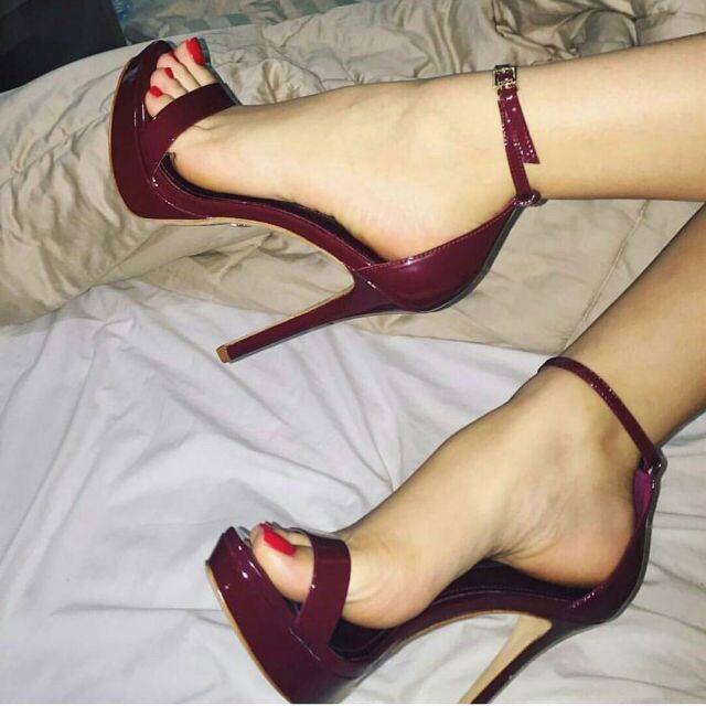 pantyhose foot fetish wife