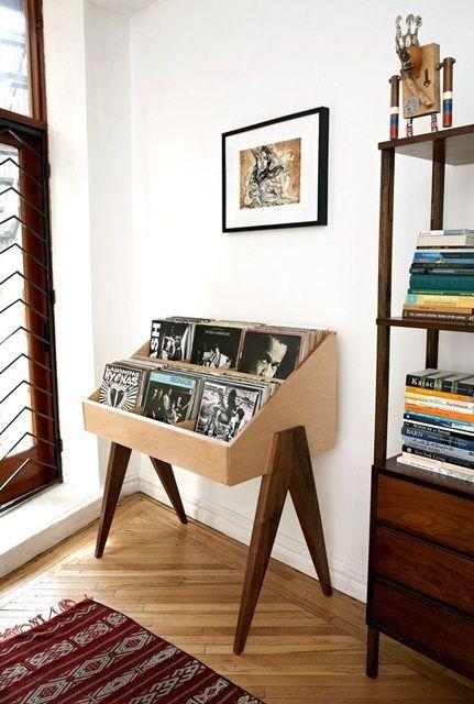 inspiracje w moim mieszkaniu: Muzyczny kącik. Pomysł na przechowywanie płyt / Musical corner. The idea for the storage of records