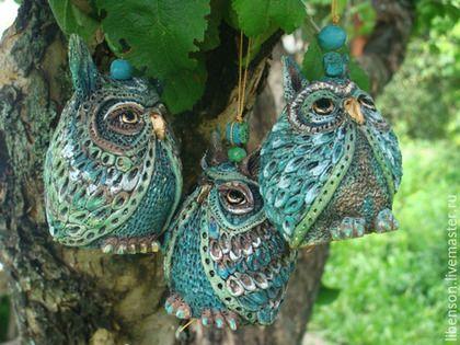 Купить или заказать Колокольчики Совы в интернет-магазине на Ярмарке Мастеров. И вот этот день настал . Весь мир стал ярче! И три маленькие совы обрели цвет и увидели солнце.
