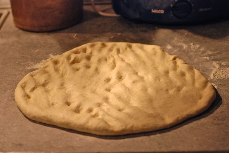 Jamie Oliver's pizza dough recipe...so easy and delicious! (from thewednesdaychef.com)