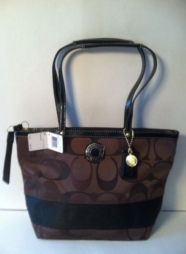 COACH SIGNATURE TOTE retail 268.00 on sale for $129.00 on blomming.com/mm/giaconisboutique/items