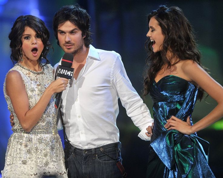 Ian Somerhalder found himself in a sticky situation at the 2011 MuchMusic Video Awards in Toronto, where he was positioned between pretty ladies Selena Gomez and his real-life love, Nina Dobrev.