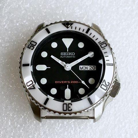 Seiko Stormtrooper Mod with TREK Hands • All parts available @ WWW.DLWWATCHES.COM    #seiko #seikomod #skx007 #skx009 #bezel #ceramicbezel #seikodiver #seikowatch #diverwatch #watchuseek #instawatch #dailywatch #watchporn #watchfam #watches #watchnerd #watchshot #watchpic #rolex #sub #submariner #dlwwatches #dlw
