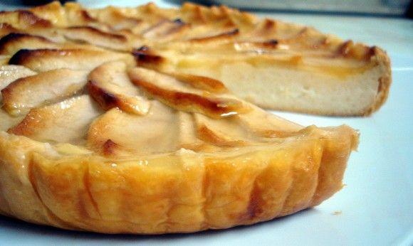 Tarta de manzana con base de hojaldre muy buena